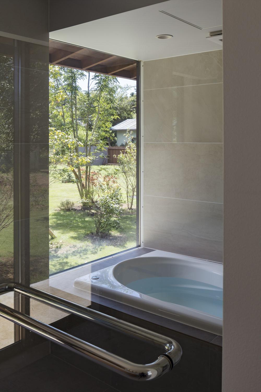 眺望の良い浴室