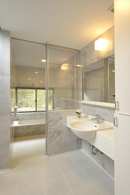 バリアフリーの洗面・浴室