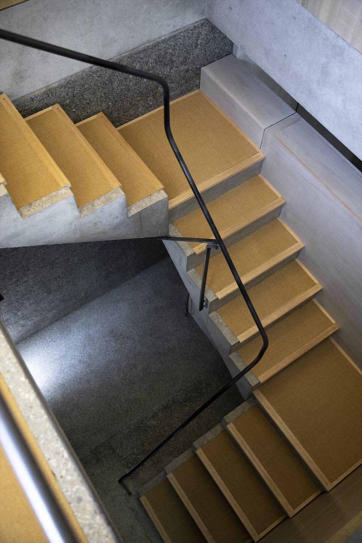 おしゃれなコンクリート階段